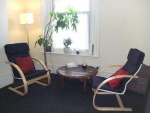 رواندرمانگر - روان درمانگر - زوج درمانگر-نمایش درمانگر-روانشناس روابط